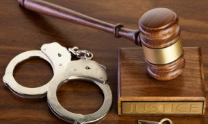 وکیل برای گرفتن حکم جلب فوری